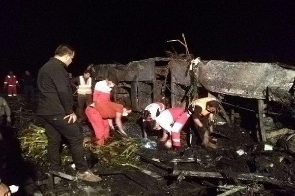 آغاز شناسایی اجساد حادثه تصادف اتوبوس نطنز