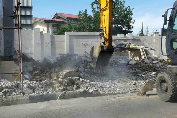ویلای غیر مجاز دو مسئول تخریب شد