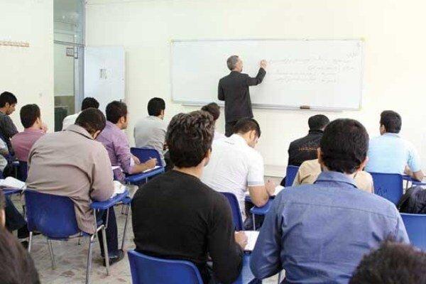 ۱۳ هزار دانشجوی شاهد در استان اصفهان مشغول تحصیل هستند