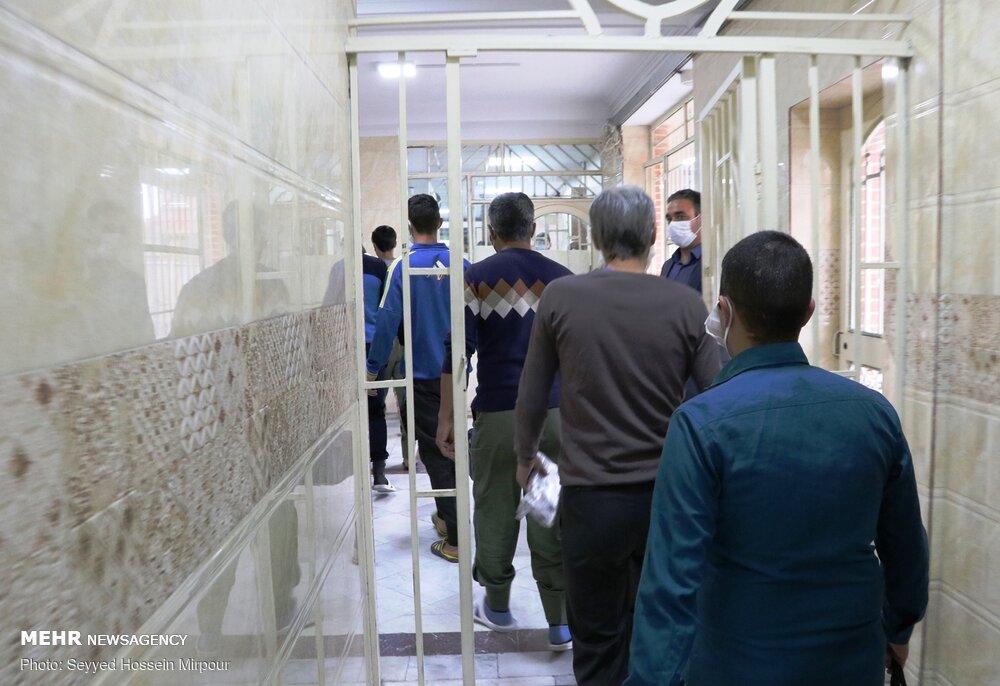 قضات برای رسیدگی به پرونده زندانیان به زندان ها می روند